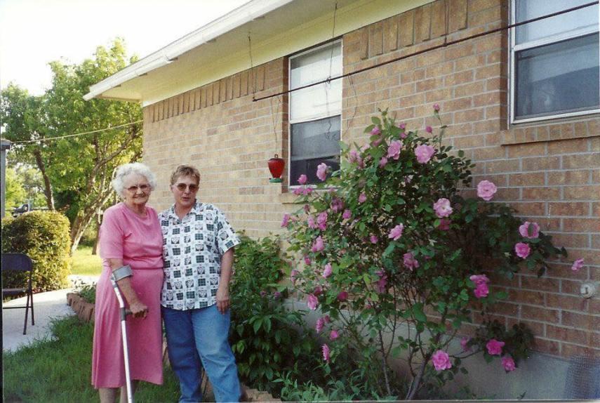 MaMaw And Grandma Bundick